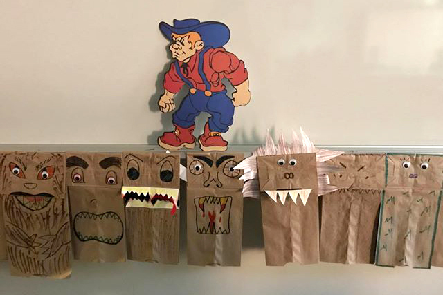 Large_schoeff_beowulf_puppets