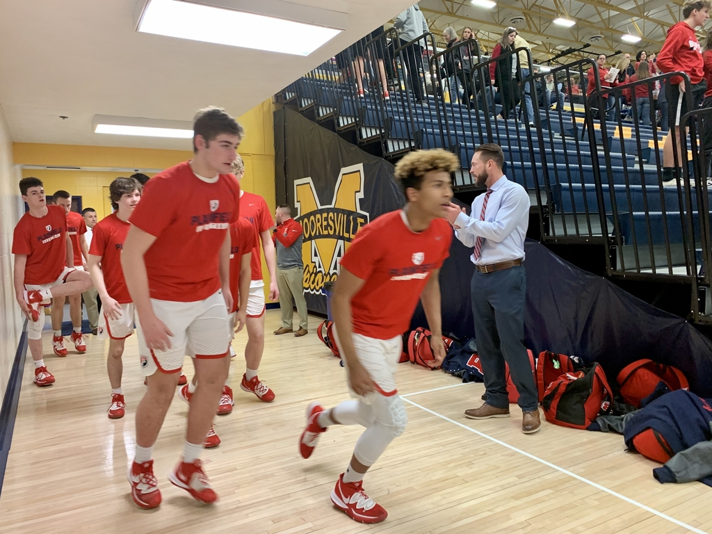 Quakers take the court for warm-ups