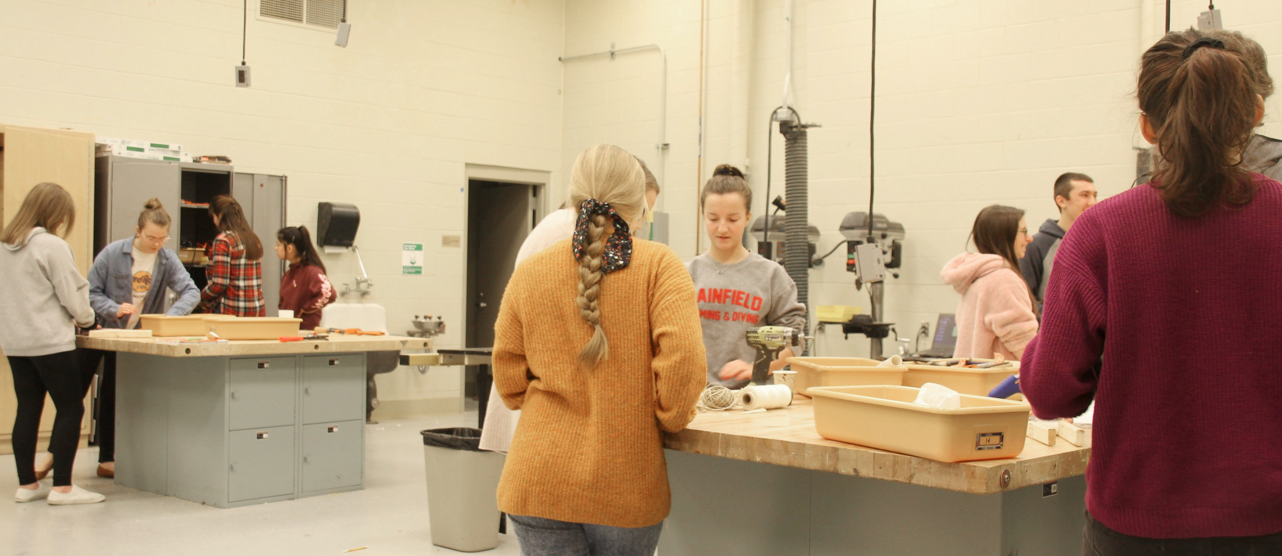 PHS biomedical engineering students work in the engineering and robotics lab